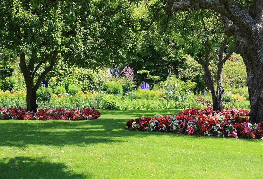 Top Ten Artistic Lawns Around The World
